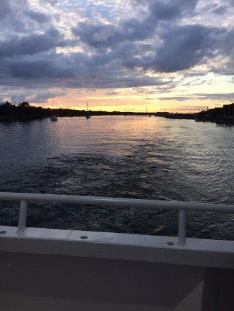 Beaufort, NC: Cruising East on Taylor's Creek looking at the Western Sunset