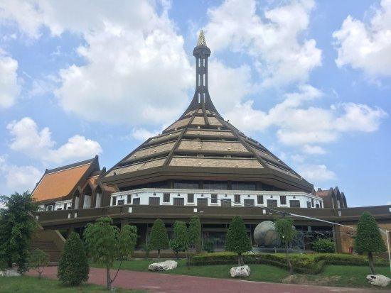 Lam Luk Ka, تايلاند: อาคารประวัติศาสตร์และพิพิทภัณฑ์ทหาร