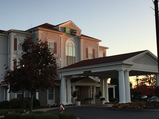 Holiday Inn Express Amherst-Hadley Photo