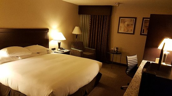 Doubletree Houston Intercontinental Airport: 20171031_202426_large.jpg