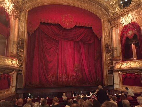 Opera House (Operan): Insidan av operan 1:a parkett