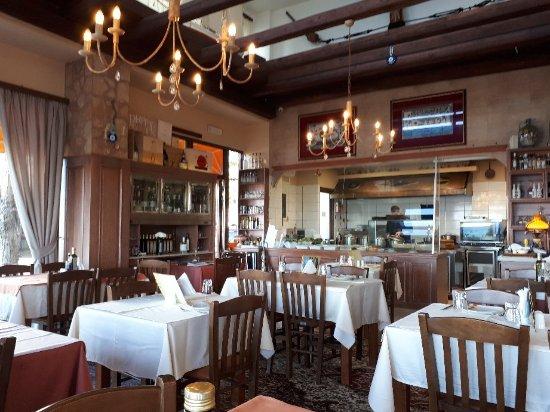 Locanda Greek Restaurant : Im Gastraum