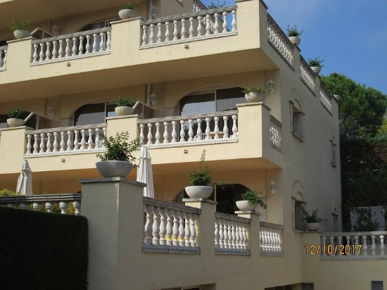 Hotel Barcarola: our suite , all accommodation is across the road from the dining