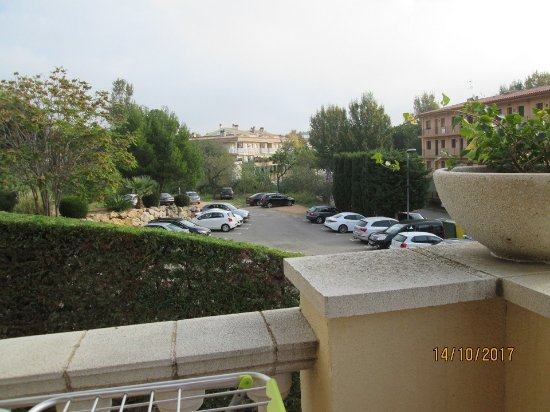 Hotel Barcarola: parking at the side of the accommodation from our balcony