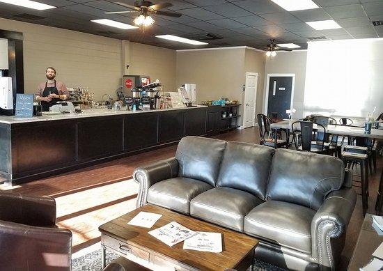 Albertville, AL: Plenty of room to gather with family & friends - Free Wi-Fi and lots of charging outlets!