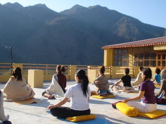 Akhanda Yoga