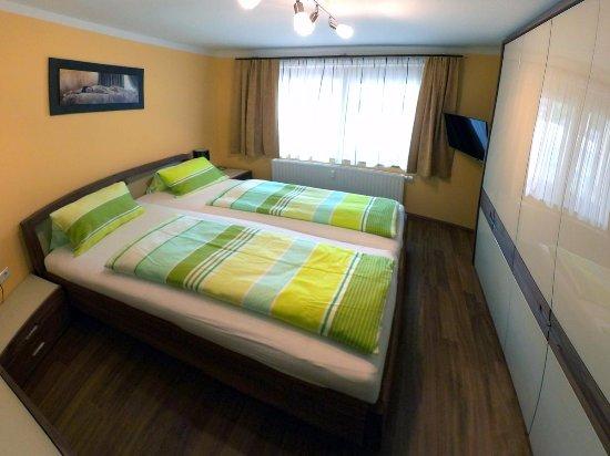 Klopeinersee, Østerrike: Schlafzimmer des Appartements im Ergeschoss