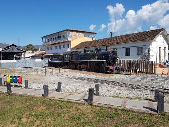 Trem da Vale – Ouro Preto e Mariana: Vista do vagão panorâmico da Maria fumaça.