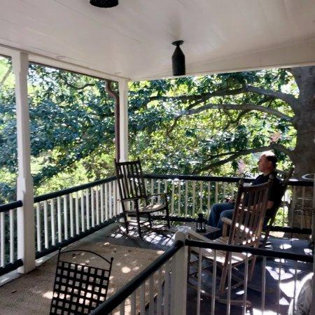 Augustus T. Zevely Inn: Hotel 2nd floor porch - nice respite.