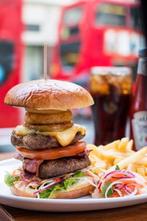 Garfunkel's Restaurant : Tower of London Burger