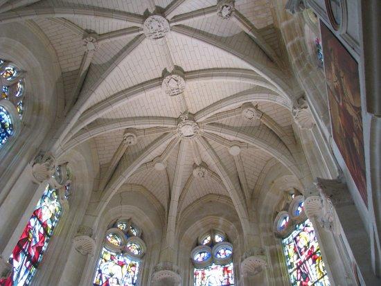 Le plafond de la chapelle picture of chateau de - Plafond de la chapelle sixtine description ...