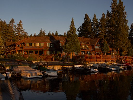 Sunnyside Restaurant and Lodge: Early Morning Light On Sunnyside