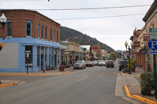 Miners Pick Bed and Breakfast: Main Street