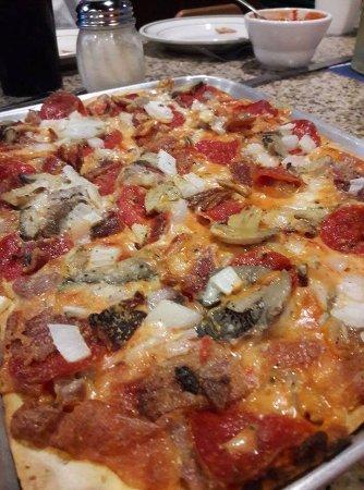 Ballwin, MO: BEST PIZZA EVER! GOOD HOMEMADE ITALIAN FOOD!