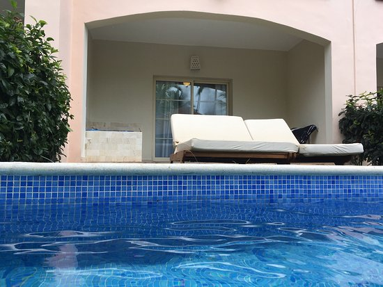 Majestic Colonial Punta Cana: Swim up suite at colonial club good eats and drinks Good Time