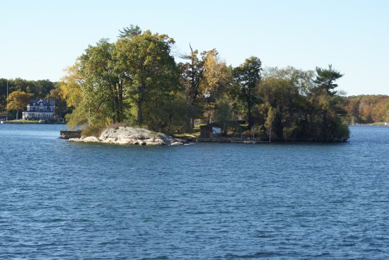 Gananoque Boat Line: Some on the views on Lawrence river (Thousand Islands)