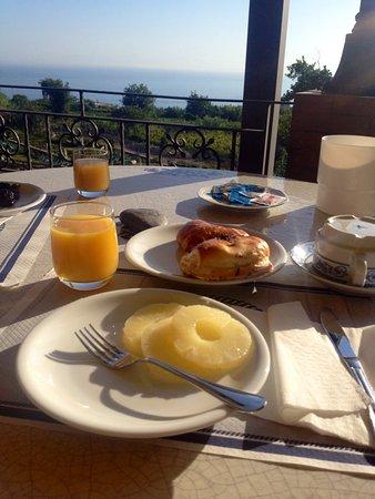 Resort Grazia Terme : Colazione con vista mare