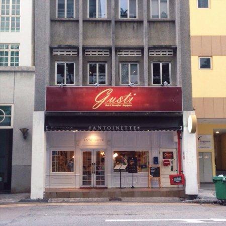 GUSTI Bed & Breakfast Singapore: photo0.jpg