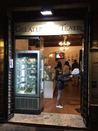 Gelateria del Teatro: photo0.jpg