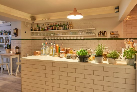 Mixstation Picture Of Kueche Bar Berlin Tripadvisor