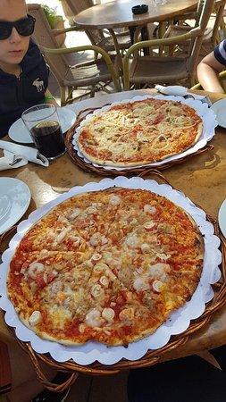 Abracadabra Pizza Restaurant: received_10154792372321010_large.jpg