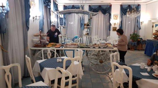 Hotel William: Уютная столовая