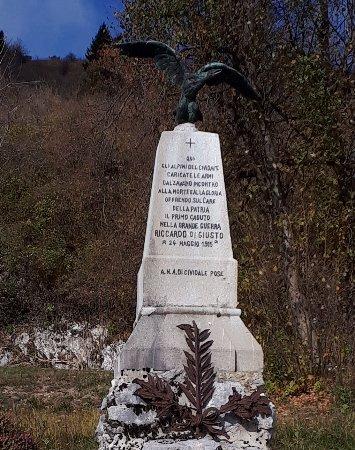 Monumento a Riccardo di Giusto