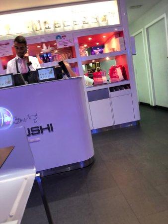 restaurant planet sushi sceaux dans chatenay malabry avec cuisine japonaise. Black Bedroom Furniture Sets. Home Design Ideas