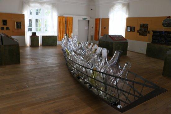 Romont, Schweiz: Un bateau original