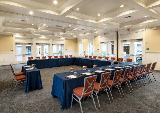 Avila Beach, Kalifornien: U-Shape Conference Room Set-Up