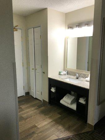 Waschbecken Bad Und Schrank Picture Of La Quinta Inn Suites