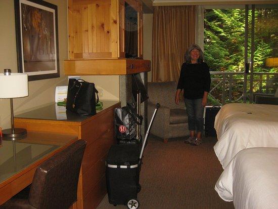 The Westin Resort & Spa, Whistler: Double queen room.