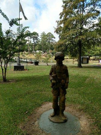 Veterans Plaza and Vietnam Wall Replica: IMG_20170920_102650342_HDR_large.jpg
