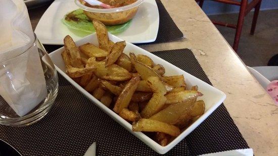 Ruffec, France : 'Frites'