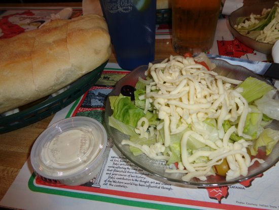 Huntingdon, Pennsylvanie : Salad and fresh bread
