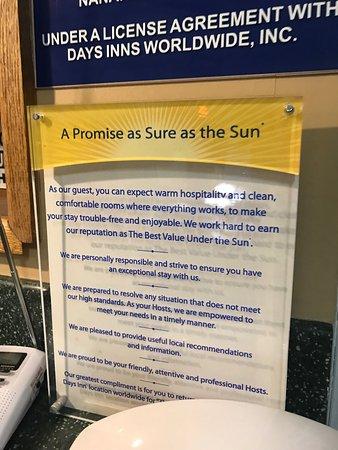 دايز إن أوبورن / فيدرال واي: this sign is laughable as they didn't do anything to provide anything listed