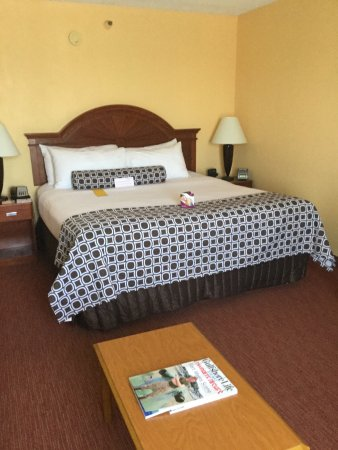 Crowne Plaza Fort Myers at Bell Tower Shops: Welcome to the Crowne