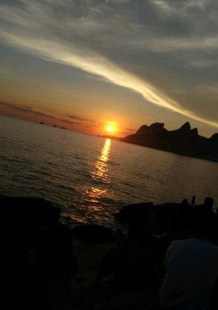 Arpoador beach: 8999df51b3827a70f07a6446285ea047_large.jpg