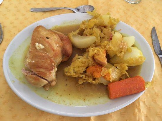 Hotel Tehuelche: pollo agridulce en el restaurant del hotel
