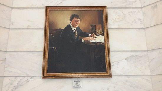 Arkansas State Capitol: Arkansinians don't speak positively about #42