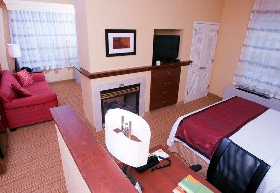 Middlebury, VT: King Suite Larger Spa Bedroom