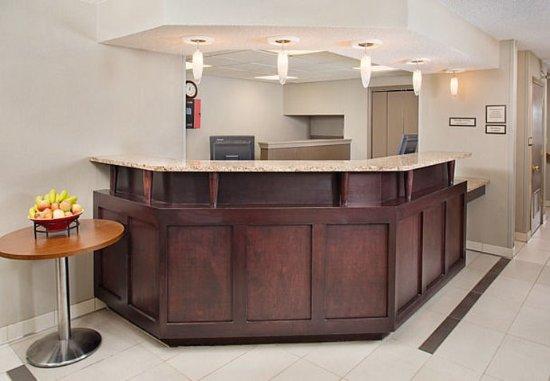 Madison Heights, MI: Front Desk