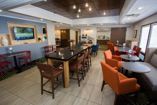 Wilmington, OH: Use this space to work or enjoy someone's company