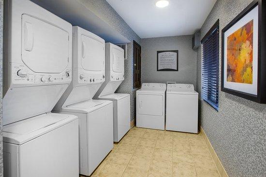 Staybridge Suites Louisville East : Guest Laundry Facility