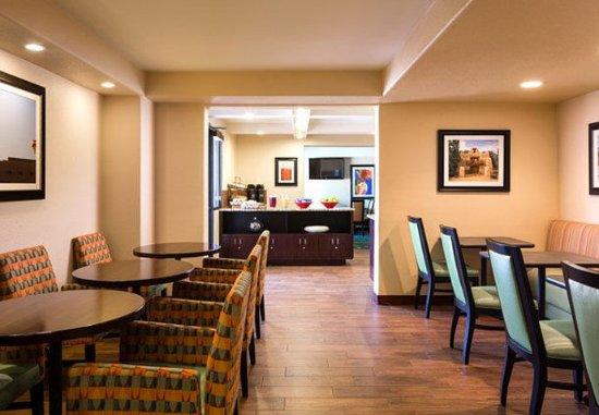 Fairfield Inn Albuquerque University Area: Breakfast Area