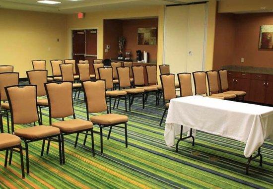 Fairfield Inn & Suites Denton: Meeting Room