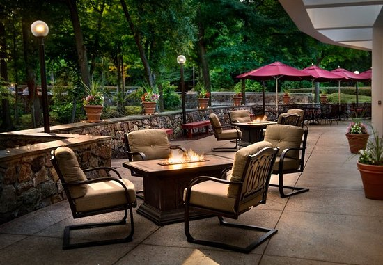 Park Ridge, NJ: Outdoor Patio