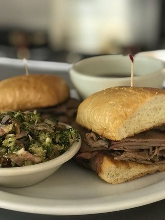 Marysville, Калифорния: Our mouth watering French Dip with our homemade broccoli salad