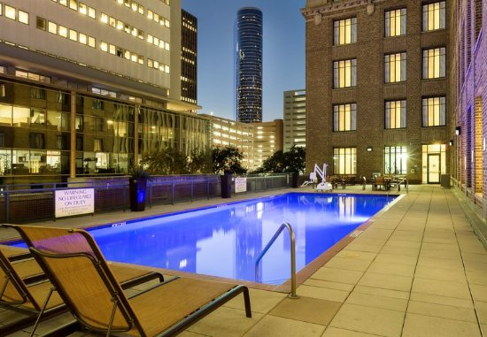 Residence Inn Houston Downtown/Convention Center: Outdoor Pool