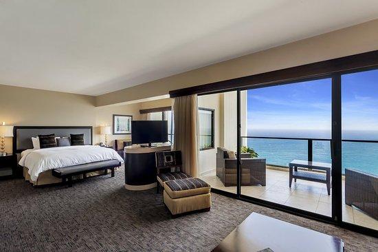 Corner suite bathroom picture of caribe hilton san juan san juan tripadvisor for 2 bedroom suites san juan puerto rico